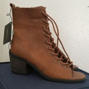 Super Cute forever 21 open toe boots